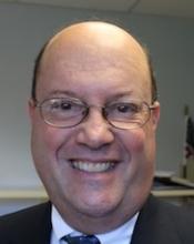 Headshot of journalist Steve Klamkin.