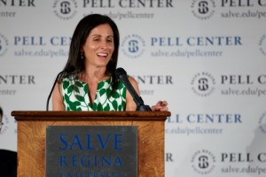 Lisa Genova accepts the Pell Center Prize.